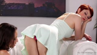 Bree Daniels does foot massage on Celeste Star – Fantasy Massage