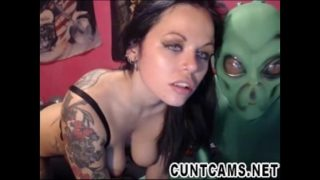 Cosplay Couple Roleplay Aliens on Webcam – More at cuntcams.net