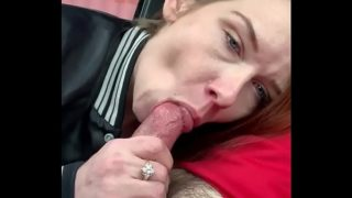 Redheaded hooker from Memphis sucking cock and letting me nut in her mouth