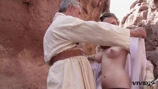 Vivid Parody – Old Ben uses the sexual force with a hot market girl